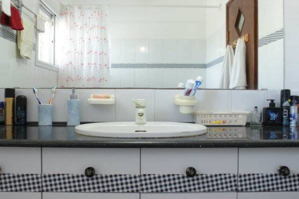 Bathroom_before1